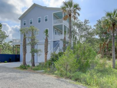 Luxurious - Very Close To Beach - High- End Private Residence on Folly!