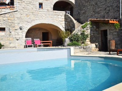 Photo for Holiday home near a farmhouse, with large garden and wonderful swimming pool