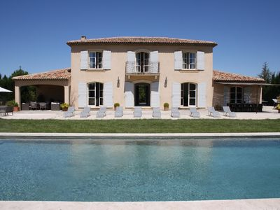 Photo for Beautiful Bastide with large pool