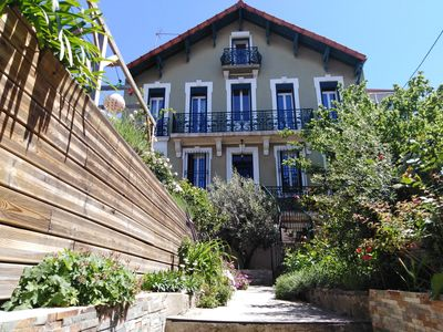 Photo for Apartment and garden, in a bastide