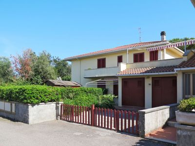 Photo for Apartment Palazzeta (VAD120) in Vada - 5 persons, 1 bedrooms