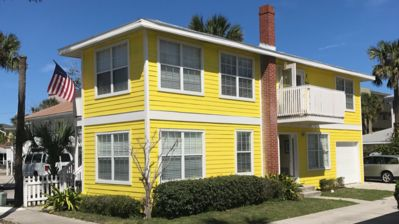 Gorgeous duplex just steps from the ocean in Jacksonville Beach!
