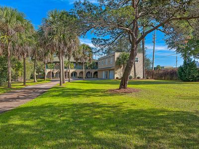 Photo for Stunning home in desirable Sandestin area! Shared pool - snowbirds welcome!