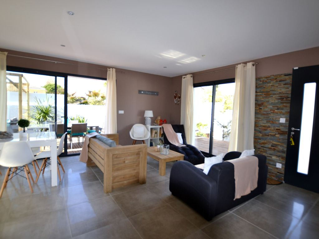 Property Image#28 Luxury 2 Bed Home In Dealu0027s Conservation Area Yards From  The Beach