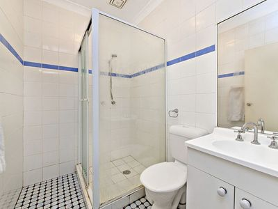 Photo for SINGLE ROOM AVAILABLE FOR LONG/SHORT TERM LEASE IN SURRY HILLS