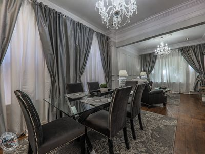 Photo for Opulent 3bdr2bth Old Town Luxury + Parking prmts