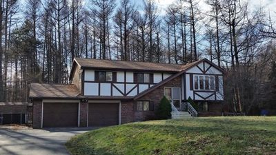 LOVELY LARGE HOME,MIN AWAY FROM WATERPARKS, SKI RESORT!!!!