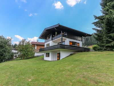 Photo for Detached Chalet with a breathtaking view, practically on the piste