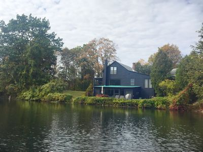 Photo for Relaxing Lake house, Hudson Valley