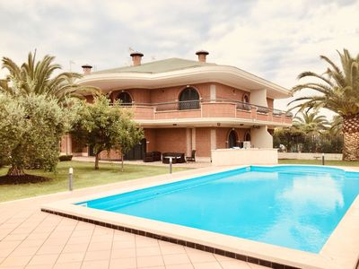 Photo for VILLA OF THE ROSE NEAR ROME WITH POOL
