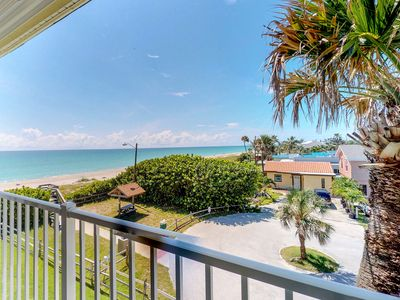 Photo for Waterfront getaway w/shared heated pool, picnic area & beach access