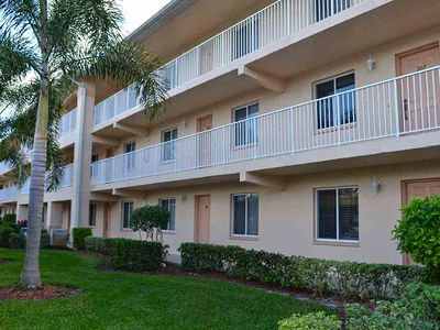 Photo for Spacious and bright Glen Eagle condo includes golf membership and club access!