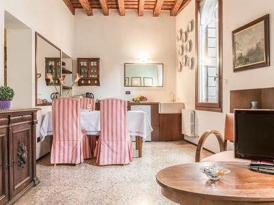 Photo for Apartment in the center of Venice with Air conditioning, Washing machine (451702)