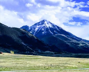 Photo for Pet friendly Emigrant Peak Cabin 30 minutes from Yellowstone National Park