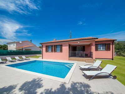 Photo for Modern, single storey villa with private pool, 4 km from the beach