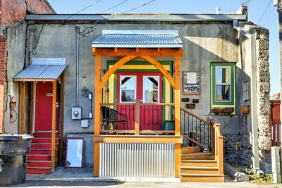 Vibrant colors & wooden framing give this getaway its small town charm.