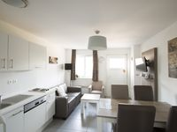 Very comfortable, very clean, central for the Euro Tunnel and access to the beach!