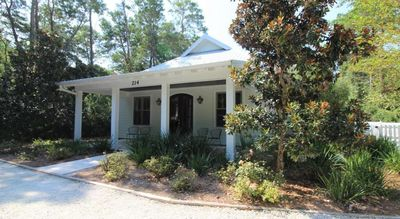 Photo for Milly Mae's Cottage - 3 bed 3 bath Seagrove home with private 3 bicycles!