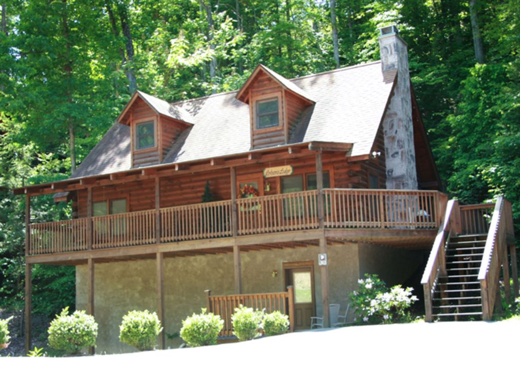 1 mile from the pkwy 2 miles from the laco homeaway for Eagles ridge log cabin