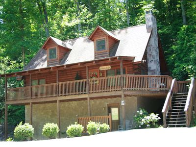 Photo for 1 mile from the pkwy, 2 miles from the LaConte Conv. Center, 10min. to Dollywood