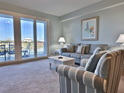 Photo for Low floor 1.5BR 2BA with bunks at Laketown Wharf!!