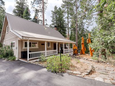 Photo for Cozy home w/ spacious decks & a long driveway for boat parking, 1 mi to town!