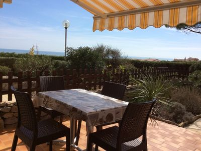 Photo for Saint Pierre La Mer: Apartment in ground garden with sea view