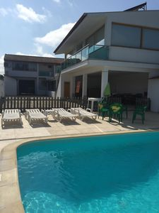 Pool, private garage, sun beds....