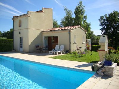 Photo for Gîte Pigeonnier La Brugue with swimming pool 5 minutes from ALBI