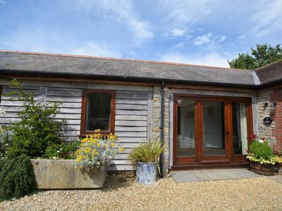 Photo for 2 bedroom Barn in Sherborne - FOLKI