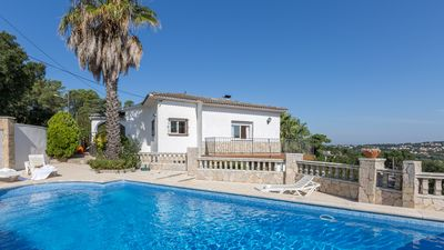 Photo for 3 bedroom Villa, sleeps 7 with Pool, WiFi and Walk to Shops