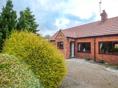 Photo for THE PADDOCK, country holiday cottage in York, Ref 931715