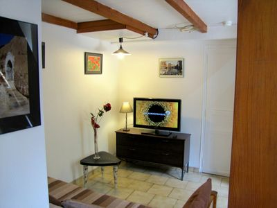 Photo for City center with a garden, quiet, sunny, air conditioning, Internet.