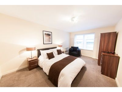 Photo for Bright, Classy 2BR Riverside Flat for 4