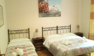 Photo for Vespasianus 80m2 apt close Vatican Metro Station. 7 people