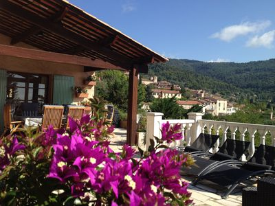 Photo for Beautiful provencal villa with pool and fantastic views on the medieval village of Seillans