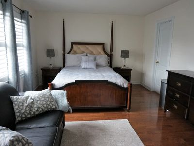 Photo for Beautiful Furnished Cozy Studio/En-suite/Parking!