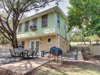 Photo for Charming family- and dog-friendly home - 1/2 mile to Canyon Lake boat launch