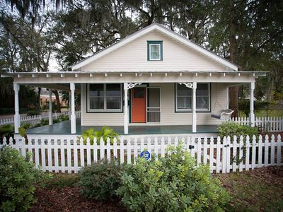 Photo for Charming bungalow with wraparound porch