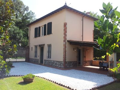 Photo for Home sweet home - close to the city, a short walk from the center