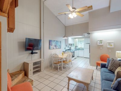 Photo for Dog-friendly Anchor Resort condo w/ indoor & outdoor pools, near the water!