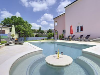 Photo for Fantastic villa with private pool, sauna and gym