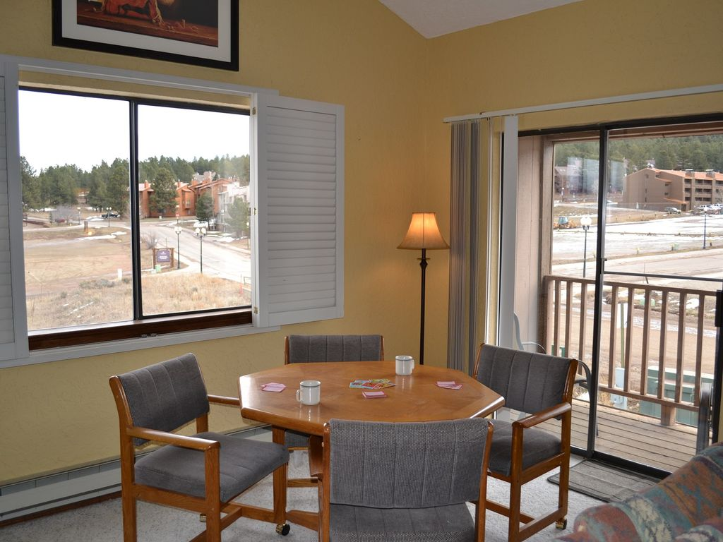 Angel View 1-6 is a 3 bedrooms + Loft space, 2 bathrooms sleep up to 10.