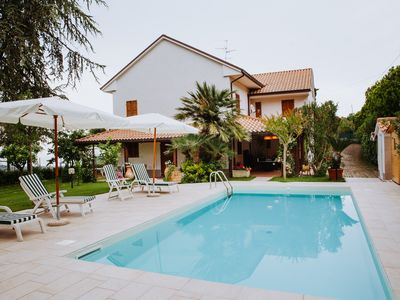 Photo for Villa with swimming pool in the countryside with sea view
