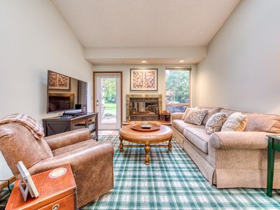 Photo for NEW LISTING! Golf course-adjacent condo w/ shared hot tub/pool/gym - near skiing