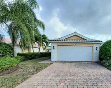 Photo for Modern, Freshly Renovated Two-Bedroom Villa in Gated Naples Community