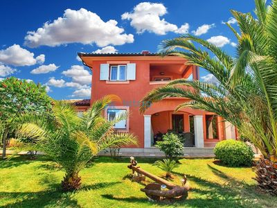 Photo for Apartment 411/1392 (Istria - Medulin), Budget accommodation, 500m from the beach