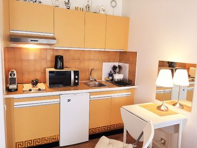Photo for 1BR Apartment Vacation Rental in Suresnes, Île-de-France