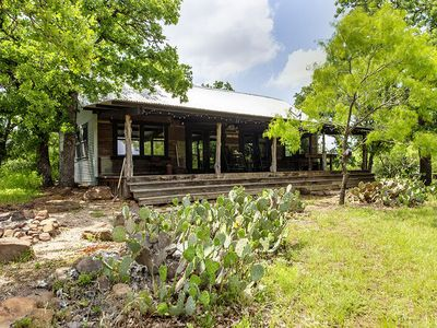 Photo for Absolutely Charming Tin Roof Cottage, 2/2 Rustic Cabin, Great Hill Country Views!