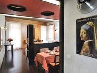 The apartment is ideally situated. It is very easy to get anywhere in Venice from the apt.